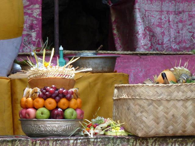 Frisches Obst und Gemüse kauft man auf dem Markt