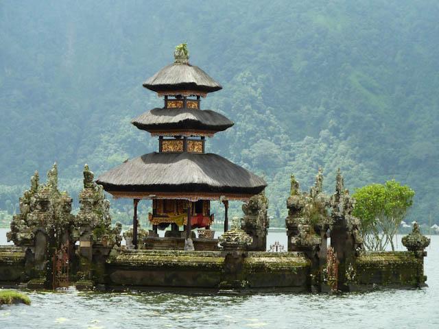 Verschiedene Reiseanbieter bieten Reisen nach Bali an